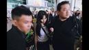 Trở lại Việt Nam, HyunA nhỏ bé lọt thỏm giữa vòng vây bảo vệ