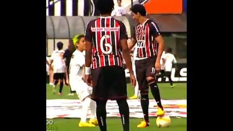 Garoto do Santos engana Ganso com trote