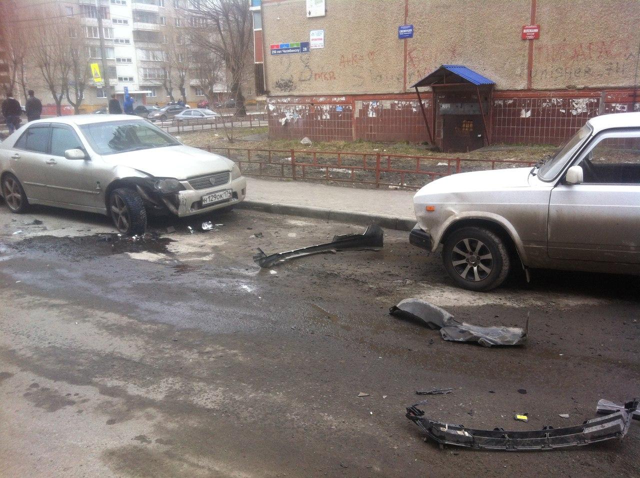 Шофёр протаранил 11 авто водворе дома вЧелябинске