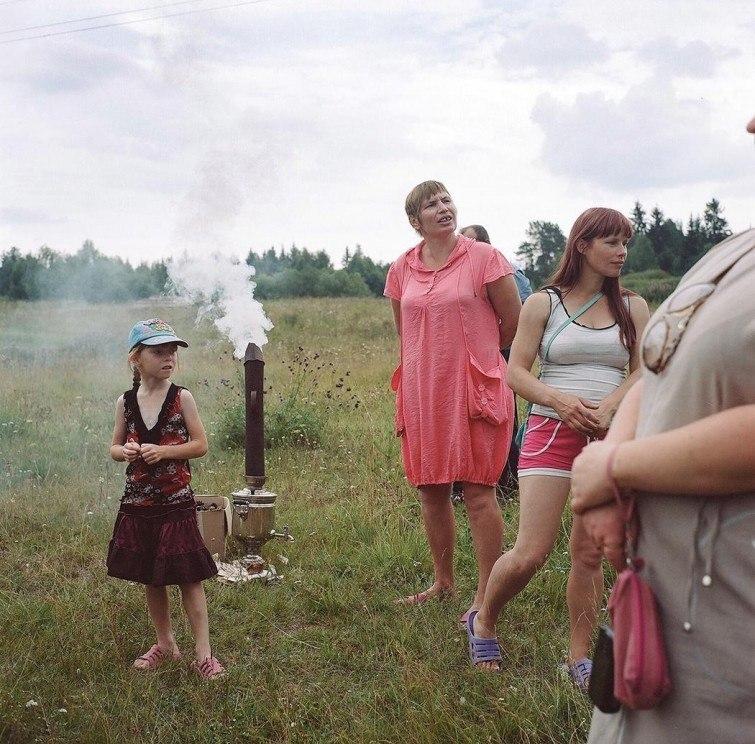 QqO0EhU1ExI - Есть девушки в русских селеньях: фоторепортаж из глубинки