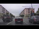 Водитель инфинити грубо подрезал авто. Часть 1 из 2