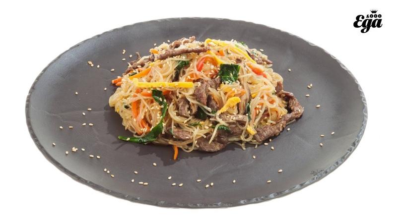 Чапчхэ — корейский овощной салат с лапшой. Подробный рецепт