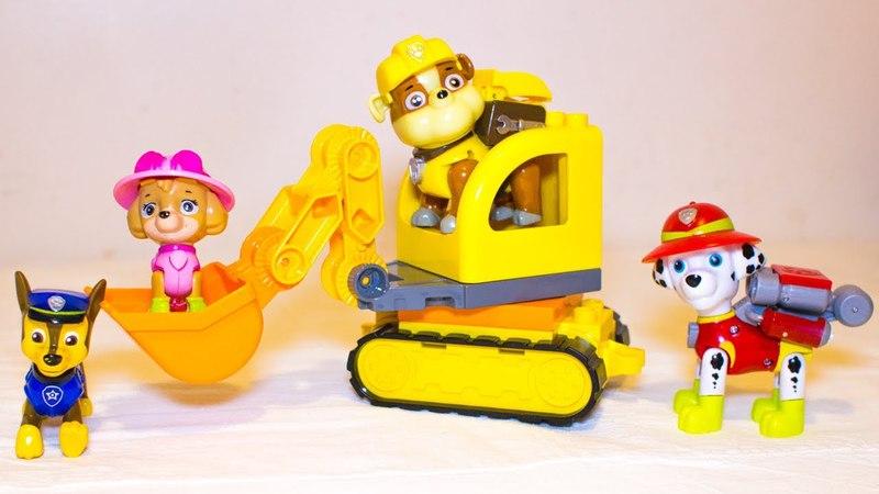 Щенячий патруль на детской площадке. Гонщик, Маршалл, Крепыш, Скай на экскаваторе и грузовой машине.