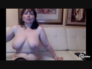 Идеал русской мамочки заставит кончать от удовольствия любого мужика (порно сиськи milf mature )