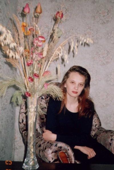 Лена Микова, 25 ноября 1974, Нижняя Тура, id175636345