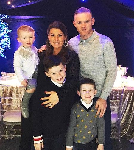 """Игрок английского клуба """"Эвертон"""", а по совместительству один из самых высокооплачиваемых футболистов мира Уэйн Руни стал отцом"""
