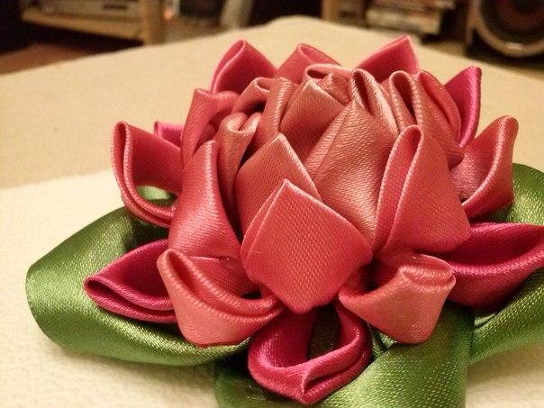 Квіти из лент своими руками 35