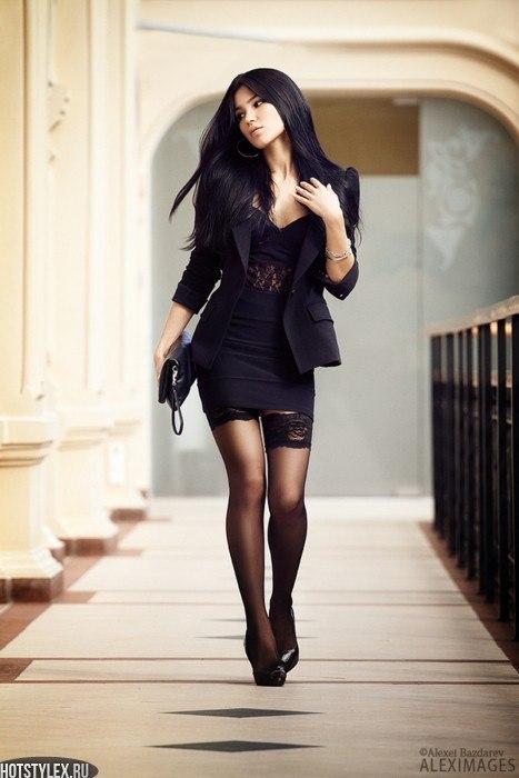 Фото девушек в коротких черных платьях