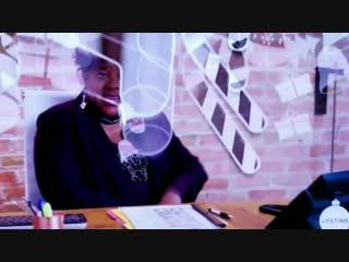 Реклама фильма The Christmas Contract с Дэннил на канале Lifetime