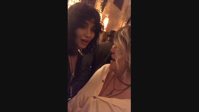 Туба и Эдже на вечеринке открытия премии Эмми 2018