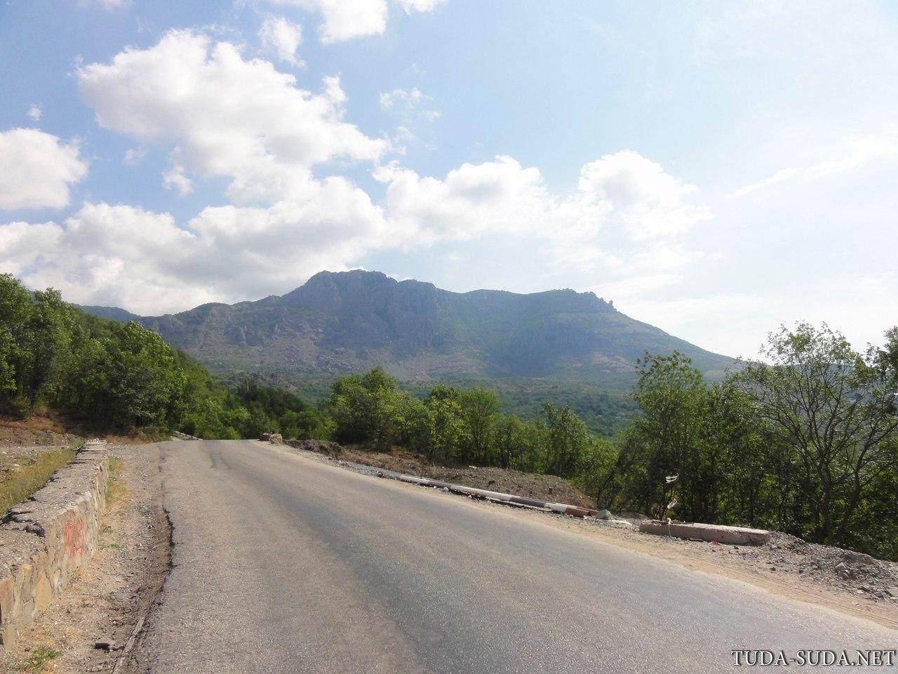 Дорога в поселок Лучистое