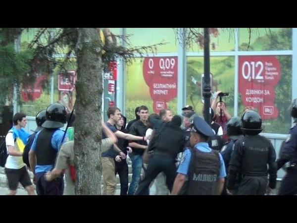 Харьковская Милиция Жёстко Пресекла Провокацию Активистов Майдана против Антимайдана