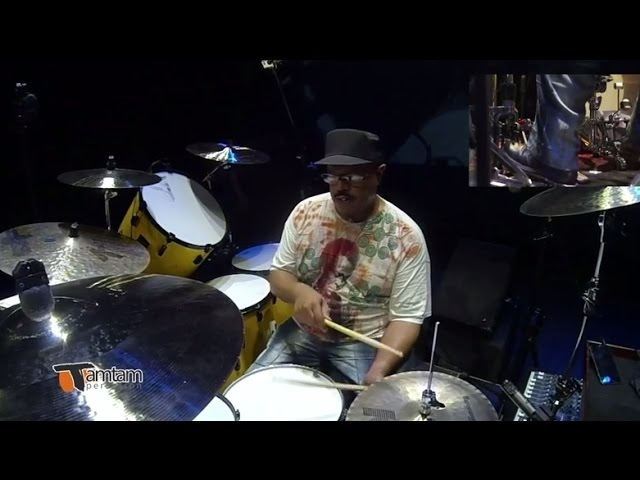 Dennis Chambers TamTam DrumFest Sevilla 2015 Pearl Drums Zildjian Cymbals Evans