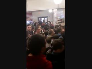 Эвакуация детей в 16 школе, Омск (28.01.2019)
