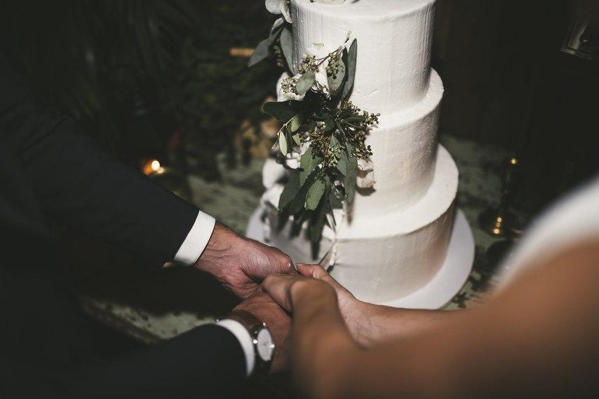 jBMt5HGWPCE - О чем необходимо знать невесте: советы флориста