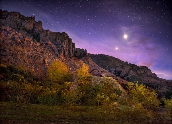 «Марсианские хроники». Крым. Автор фото — Александр Киценко: nat-geo.ru/photo/user/49760/ Добрых снов.