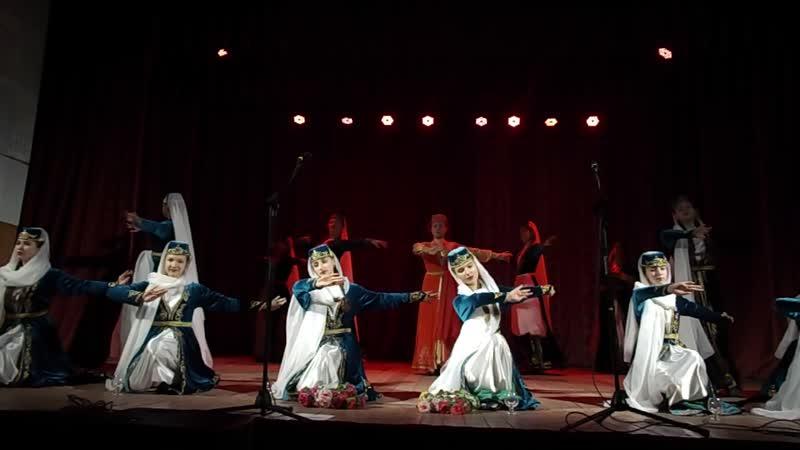 Старша група народного ансамблю танцю кримських татар Лалє - хна геджеси