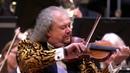 Czardas door het Gelders Orkest, Roby Lakatos en Dimiter Tchernookov (concertmeester)