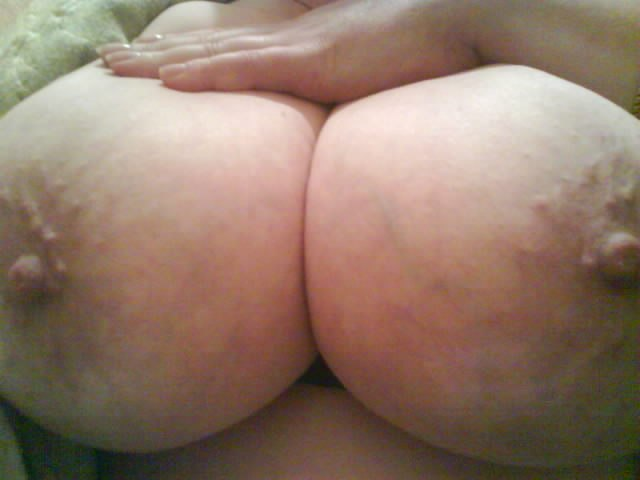 Thick white whore Lateshay saggy love bubbles