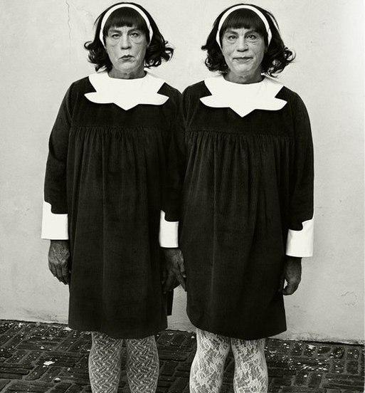 Идентичные близнецы