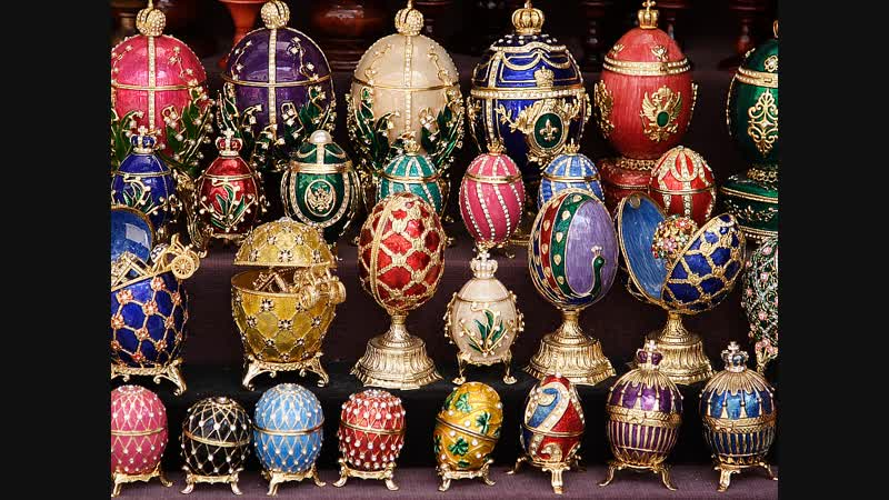 Яйца Фаберже. Яйцо из личной коллекции. Вид изнутри на произведение искусства.