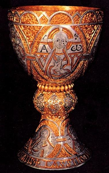 ДОРОМАНСКИЙ ОРНАМЕНТ. Часть 2. ЭПОХА КАРОЛИНГОВ А в 751 году Меровинги сменились Каролингами Немного предыстории. Хильдерик I - один из немногих древних персонажей, могила которого была найдена