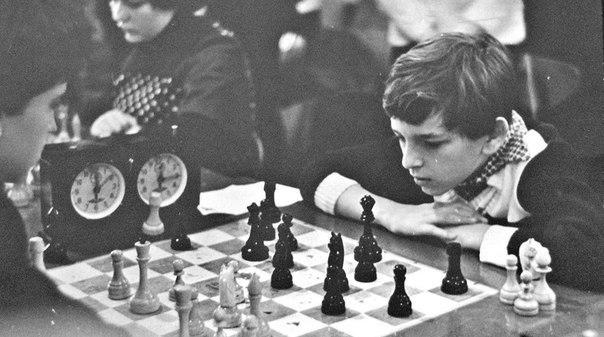 На сколько ходов вперед вы думаете?Чемпиона мира по шахматам Гарри К