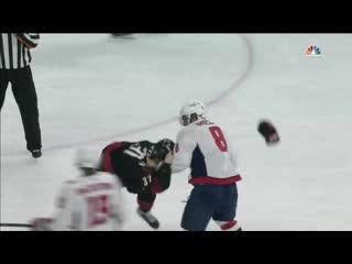 Александр Овечкин нокаутировал Андрея Свечникова во время матча НХЛ [Рифмы и Панчи]