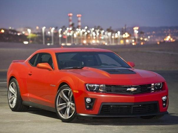 Chevrolet Camaro ZL1  Двигатель: 6162 см³ Мощность: 580 л.с. Крутящий момент: 746 Нм Привод: задний Максимальная скорость: 296 км/ч Разгон до 100 км/ч: 3.9 сек Масса: 1746 кг