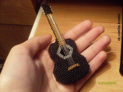 Гитара бисер