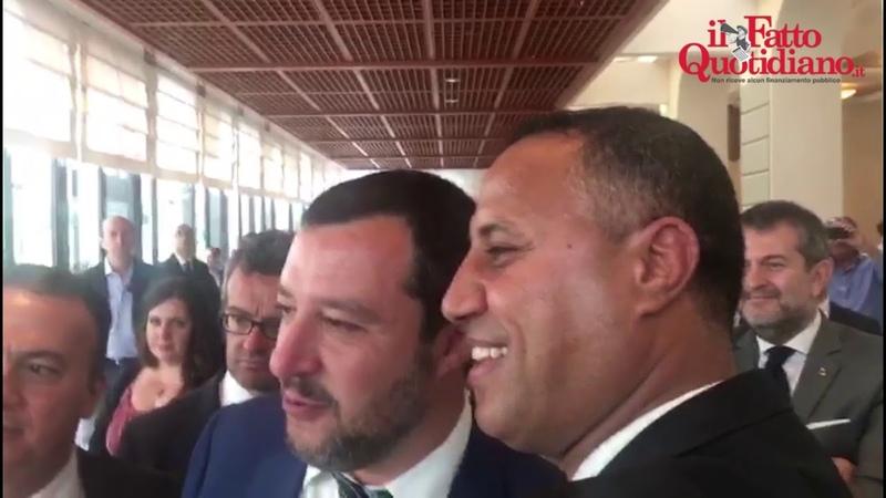 """Salvini incontra (per caso) i parlamentari tunisini: """"Tunisia esporta galeotti? Me ne dispiaccio"""""""