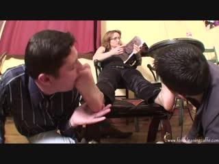 Два раба лижут ножки госпоже femdom foot fetish фут-фетиш slave lick feet trampling #footworship