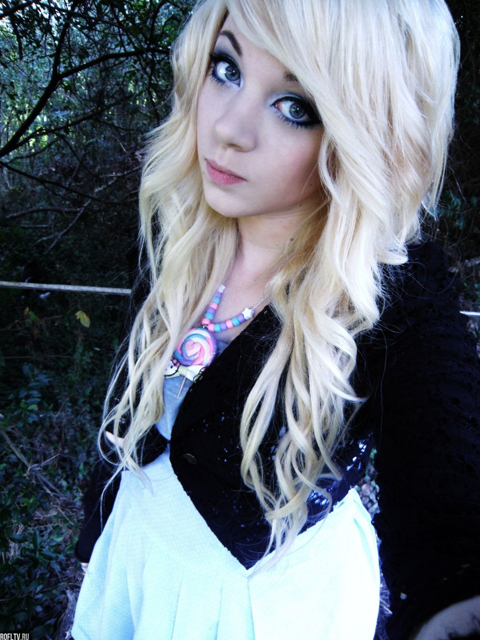 Фотографии девушки челкастика блондинки 4 фотография