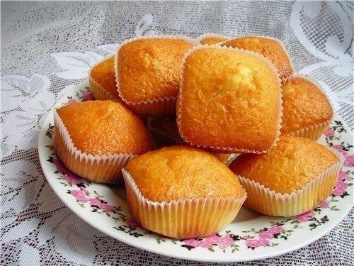 Простые и вкусные кексы со сгущенкой Ингредиенты: Яйца куриные