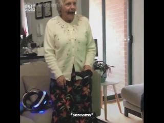 Бабушка в vr очках