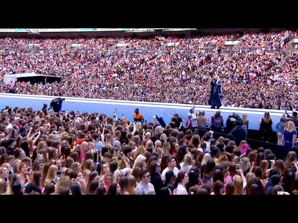 Ava Max - Wembley Stadium Behind the Scenes