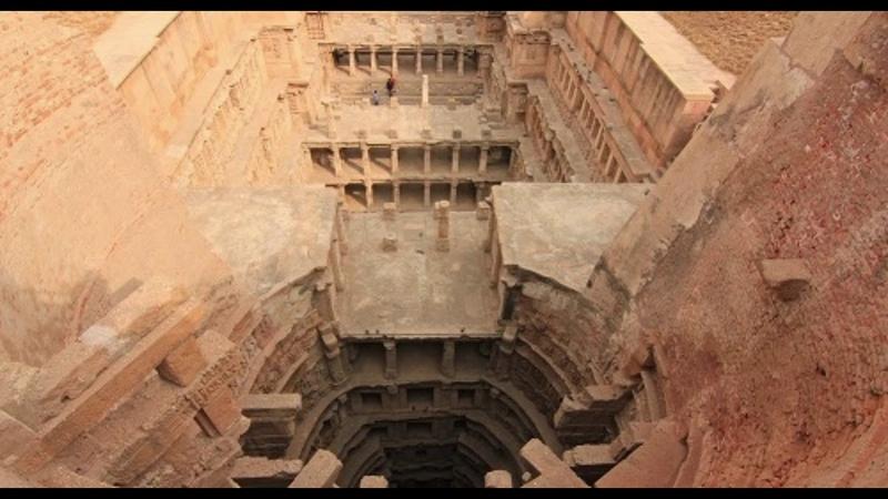 Удивительный колодец Рани-ки-Вав (Индия)