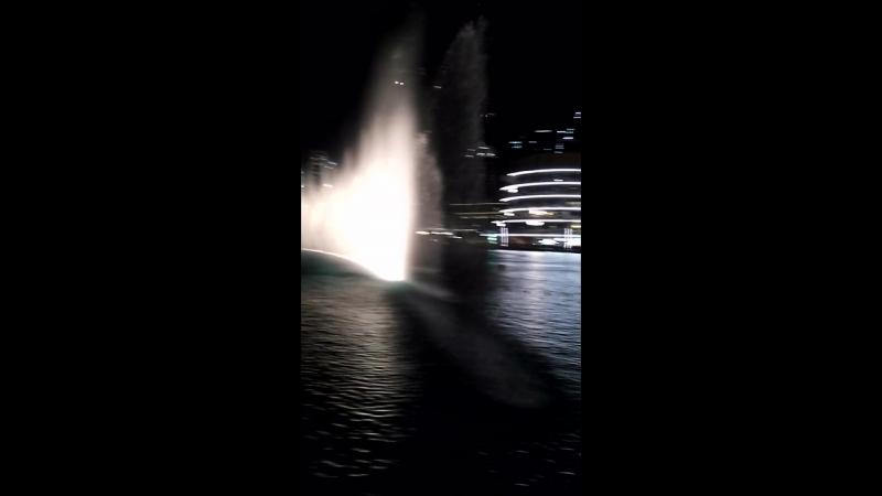 Музыкальный фонтан в Дубаи