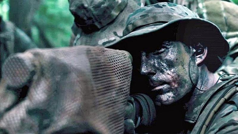 АМЕРИКАНСКИЙ СНАЙПЕР - Лучшие боевики про войну! Смотреть зарубежные кино и фильмы онлайн » Freewka.com - Смотреть онлайн в хорощем качестве