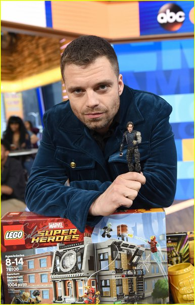 """Себастьян Стэн, Карэн Гиллан и Пол Беттани посетили шоу """"Good Morning America"""" и анонсировали выход новой коллекции игрушек """"Marvel: The Universe Unites"""""""