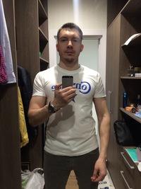 Тимур Суворов