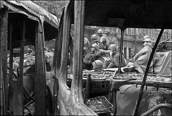 Одна операция советского спецназа вызвала большой международный общественный резонанс. Это захват аэродрома в Праге 20 августа 1968 года. Если убрать в сторону политику и рассматривать