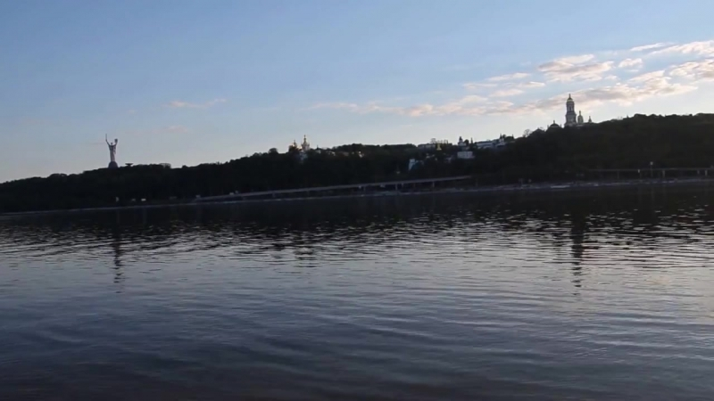 Вид на правый берег Днепра в Киеве. Kiev-Pechersk Lavra UNESCO. May 2015