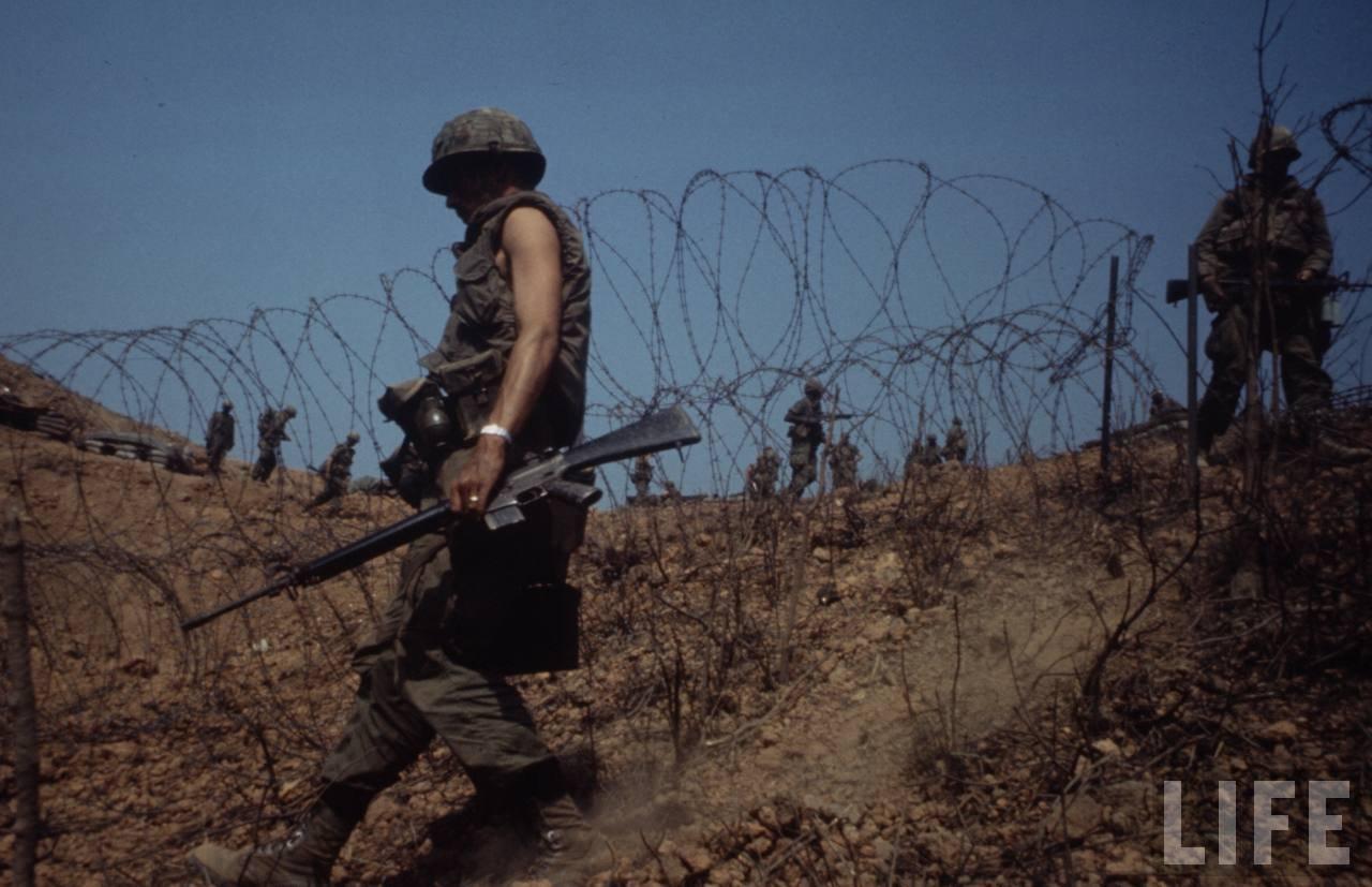 guerre du vietnam - Page 2 X326cj4epu0