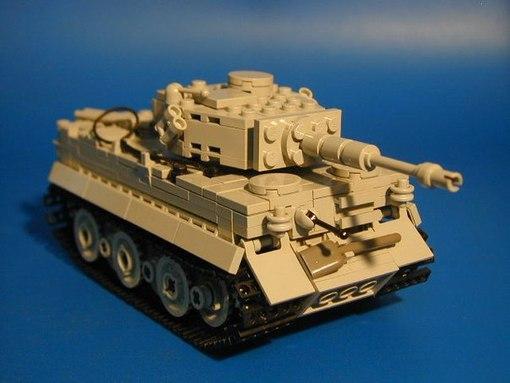 """Для любителей танков.  Точные модели танков из Lego Ставим  """"Like """" и  """"Рассказать друзьям """" ."""