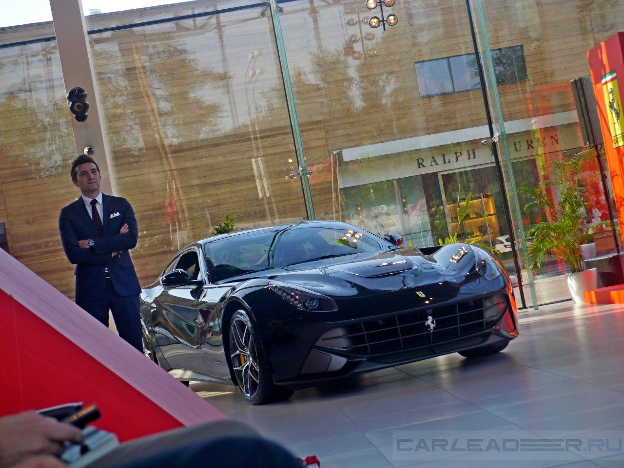 Однако и Berlinetta в черном исполнении выглядит эффектно. Массимо Галотта особенно гордится многослойным черным перламутровым цветом.