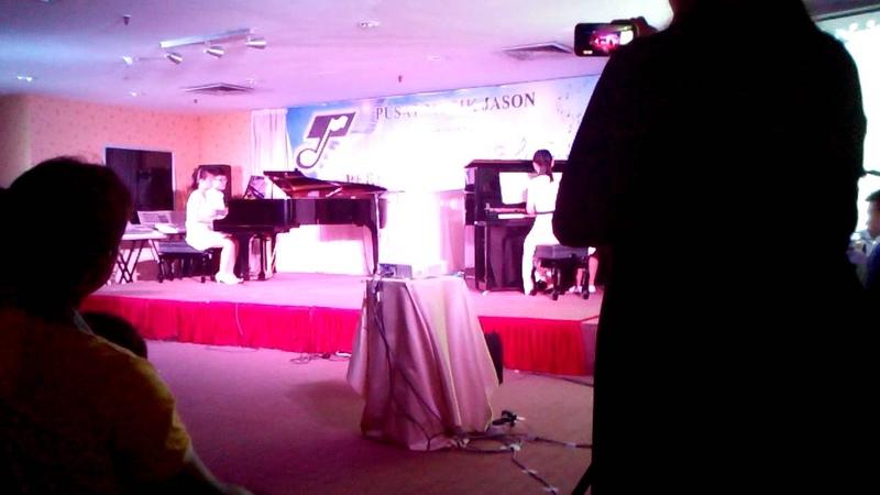 2 Pianos 8 Hands:A Little Fiesta by M.D.Smit
