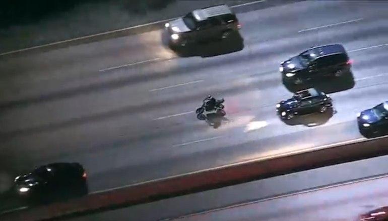 Преследования мотоциклиста в Калифорнии закончилось арестом