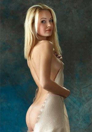 Mandy moore sexy pics