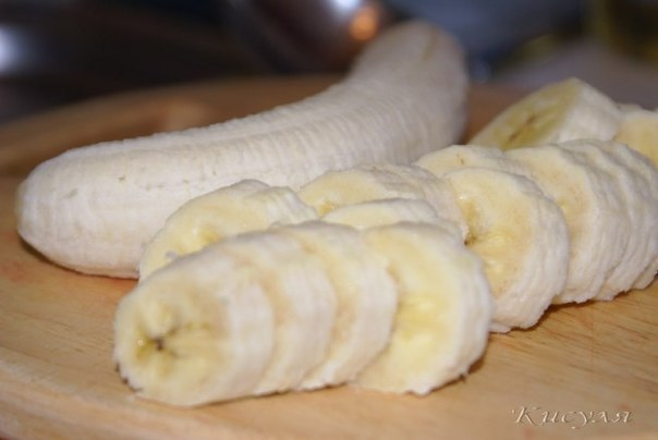 Бананово-клубничный тортик по мотивам тирамису  Ингредиенты: бисквитное печенье 200 г чёрный...